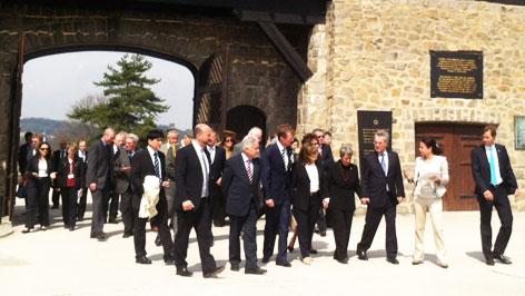 Staatsbesuch aus Luxemburg im KZ Mauthausen