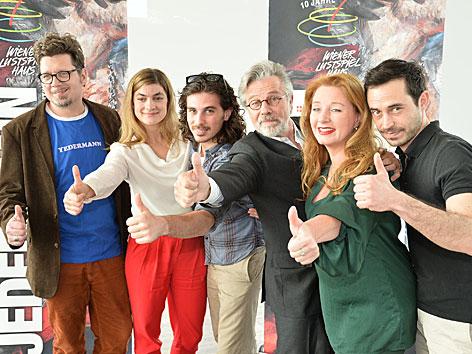 """Das Ensemble von """"Jedermann"""" im Lustspielhaus"""