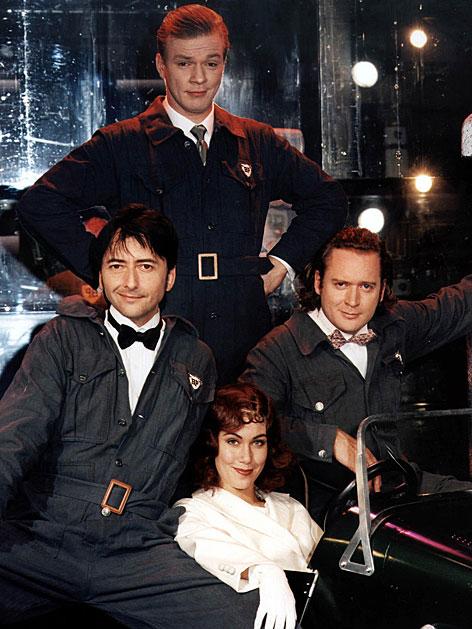 """Günter Mokesch, Kai Peterson, Adriana Zartl und Gergor Seberg im Musical """"Die Drei von der Tankstelle"""" im November 1998 im Metropol"""