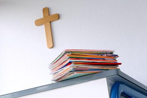 Kreuz in Klassenzimmer