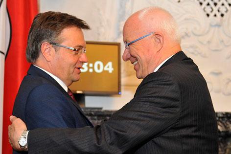 Landeshauptmann Günther Platter mit Landtagspräsident Herwig van Staa