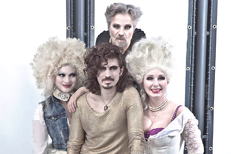 Sophie Aujesky, Ben Marecek, Adi Hirschal, Gabriela Benesch, Lustspielhaus