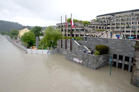 Hochwasserschutzmaßnahmen beim neuen Rathaus in Linz