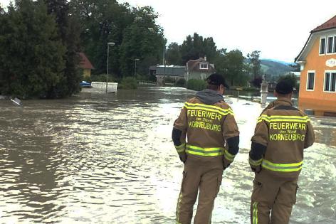 Feuerwehrmänner in Korneuburg