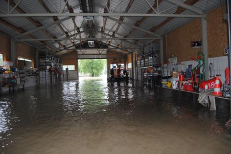 Feuerwehrhaus in Melk überflutet