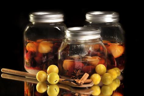 *~* Vorratsglas mit eingelegten Pfirsich Hälften *~*