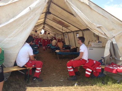 Rotes-Kreuz-Zelt beim Nova Rock