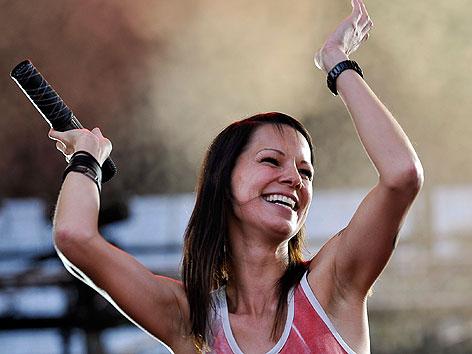 Christina Stürmer bei ihrem Auftritt auf der Festbühne am Donaunselfest am Sonntag, 23. Juni 2013 in Wien