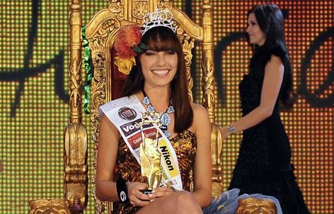 Ena Kadic als Miss Austria