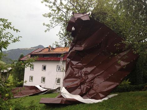 Abgedeckte Hausdächer