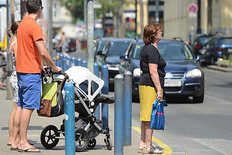 Gelbe Linien auf der Mariahilfer Straße
