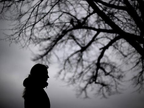 Symbolbild Depression/Schatten einer Frau