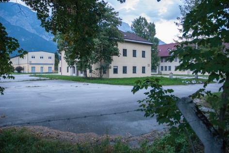 Straub-Kaserne