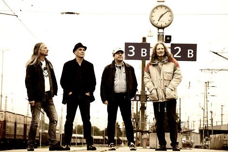 Band Bandhaus auf einem Bahnhof