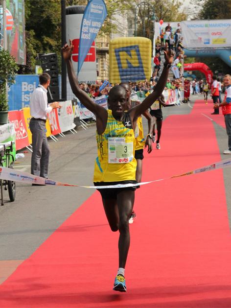 Luka Rotich aus Kenia, Gewinner des Wachau-Halbmarathons 2013
