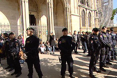Votivkirche wieder besetzt
