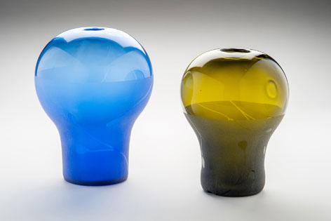Angeschmolzenes und heiß geformtes Altglas