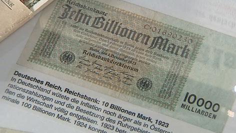 Zehn-Billionen-Mark-Schein im Stadtmuseum