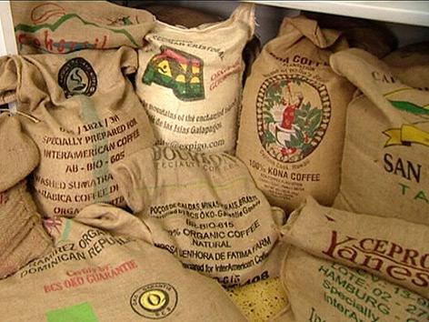 Kaffeesorten in Jutesäcken