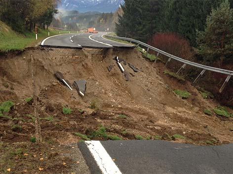 B83 unterspült weggeschwemmt Unwetter