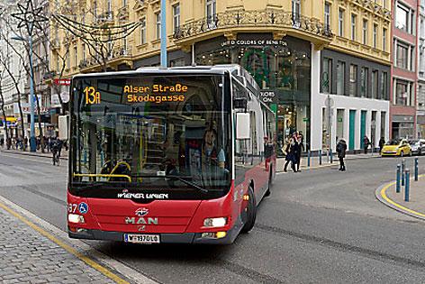 13a 13A Bus