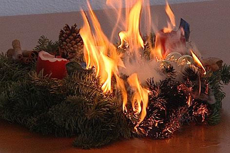 brennender Adventkranz