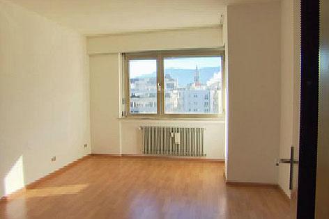 leerstehende Wohnung Südtirol. Immobilien, Besichtigung