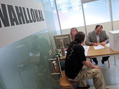 Arbeiterkammer Wahl Urne Stimmzettel