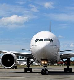 Jet Verkehrsflugzeug Flugzeug Reisen Fliegen Flugreise Boeing 777 Düsenflugzeug Flieger
