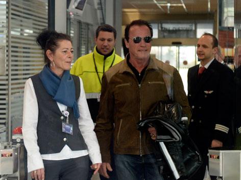 Arnie geht durch Tür