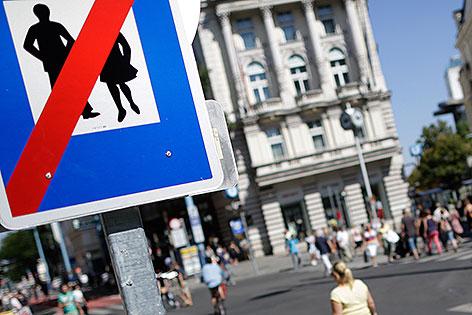 Fußgängerzonen-Tafel in der Mariahilfer Straße