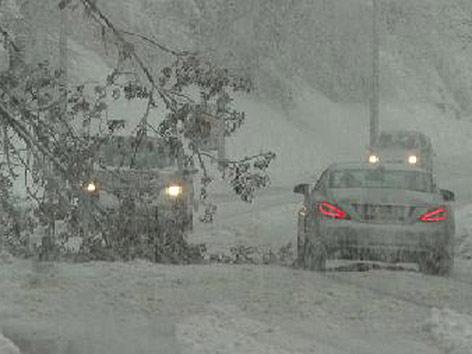 Schnee Baum Straße