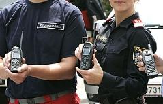 Digitale Funkgeräte für Einsatzkräfte wie Feuerwehr, Polizei, Rotes Kreuz