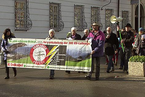 Demonstration der IG Erdkabel in der Stadt Salzburg