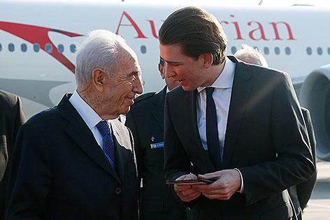 Empfang des israelischen Staatspräsidenten Simon Peres (li) durch Außenminister Sebastian Kurz