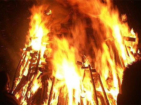 SPD Radiše baklada velikonočna sobota vstajenje ogenj krstnica običaj šega
