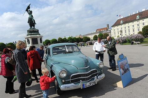 Papamobil auf dem Heldenplatz