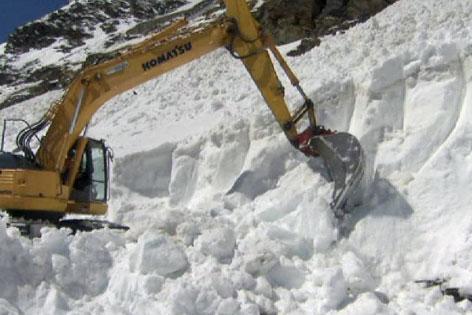 Schneeräumung Timmelsjoch Südtirol