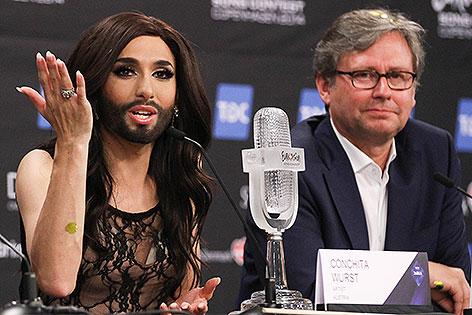 Conchita Wurst mit Alexander Wrabetz
