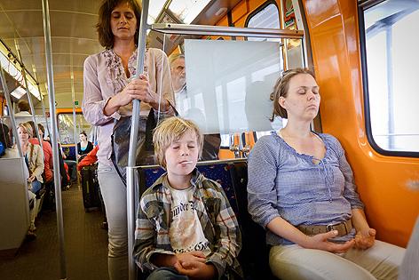 Meditieren in der U-Bahn