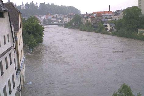 Ennskai in Steyr zu Mittag, Überflutung, Hochwasser