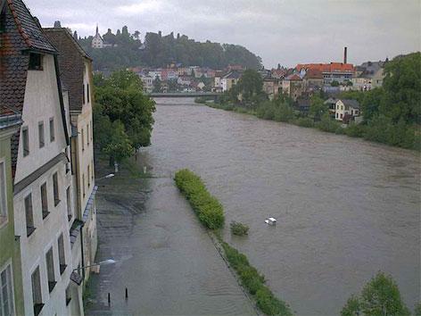 Überschwemmter Ennskai am Freitagvormittag