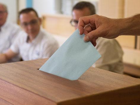 Wahl Stimmenzettelabgabe