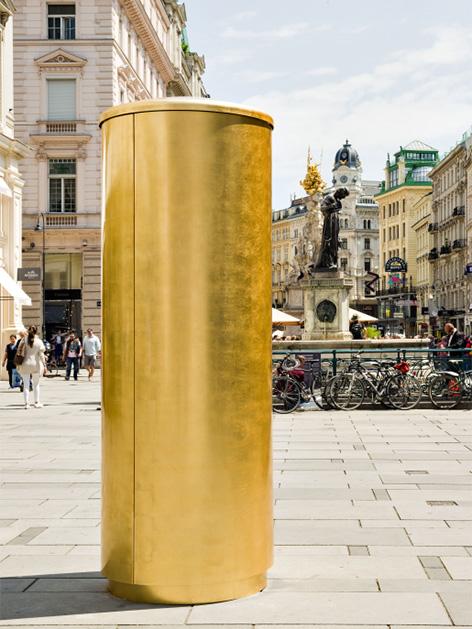 Installation von Axel Stockburger am Graben