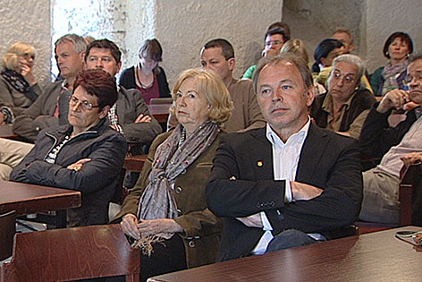 Bürgerversammlung zum Denkmal für Deserteure in Goldegg