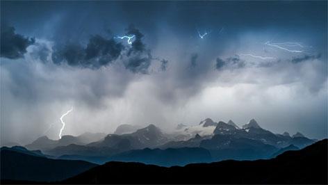 Gewitter über dem Dachsteinmassiv