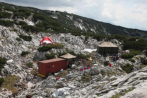 Der Eingang zur Riesending-Schachthöhle auf dem Untersberg
