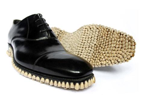 "Fantich & Young, ""Apex Predator Shoes"", Großbritannien 2010"