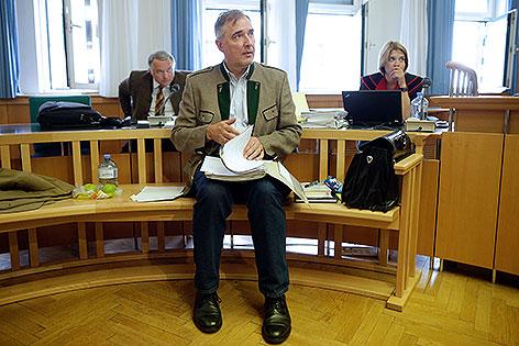 Ewald Stadler bei Prozess im Wiener Landesgericht