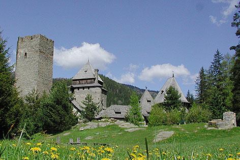 Die Burg Finstergrün in Ramingstein (Lungau)